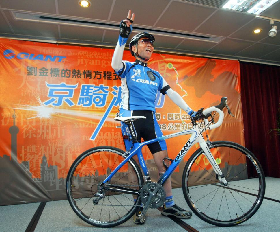 75-year old bike boss to ride 1600km to promote cycling