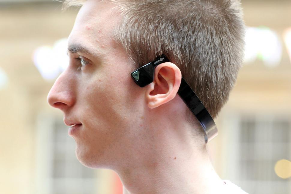bf39f98f156 Review: Aftershokz Bluez 2 Wireless Bone Conduction Headphones   road.cc