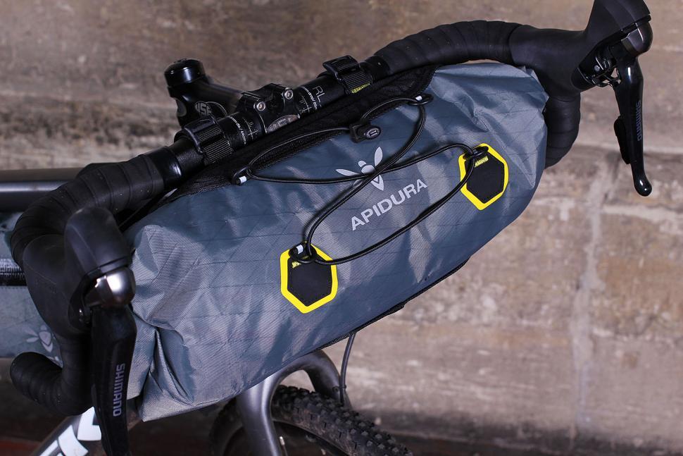 Apidura Handlebar Pack Compact - front
