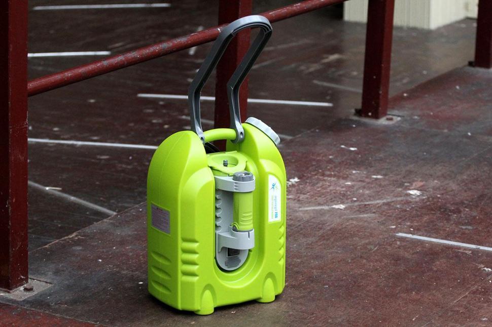 Review Aqua2go Pro Smart Pressure Cleaner Road Cc