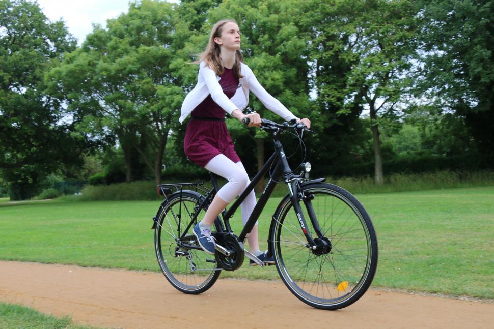 B'Twin Hoprider 520 26 - riding
