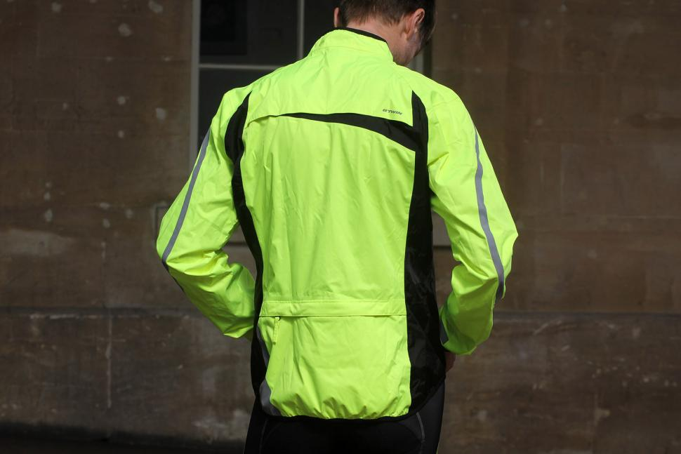 291dc1adf Review  B Twin 500 High Visibility Waterproof Cycling Jacket