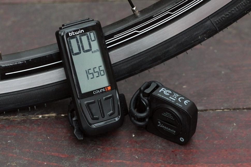 Review Btwin Count 8 Counter Computer Road
