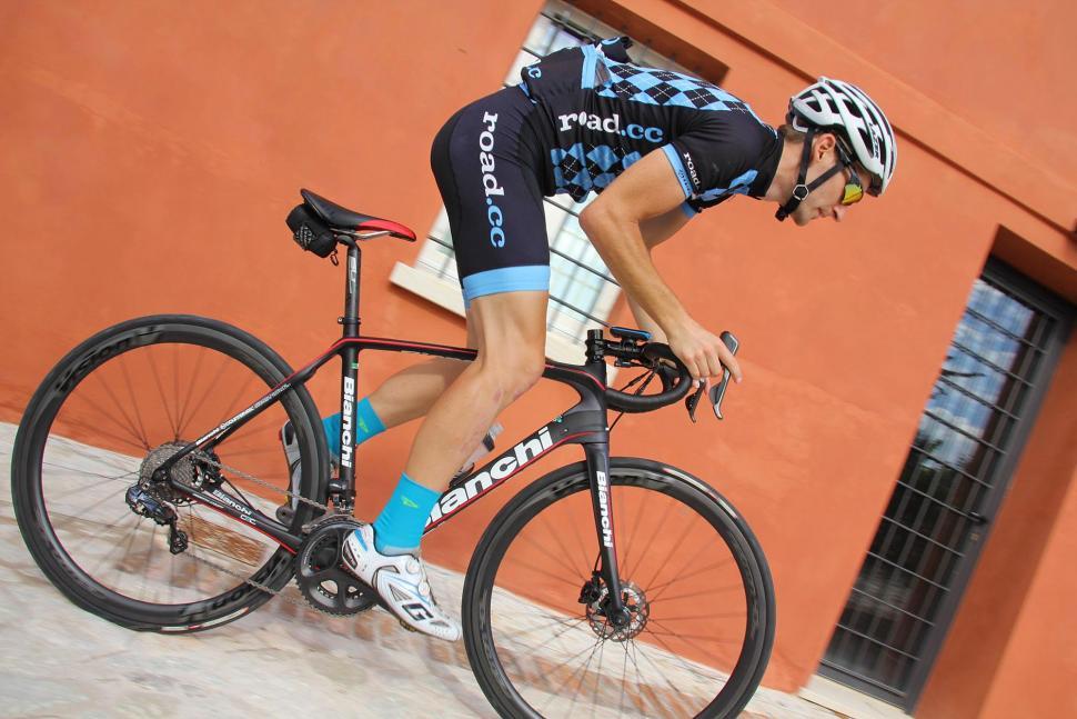 Bianchi Infinito CV Disc - riding 3