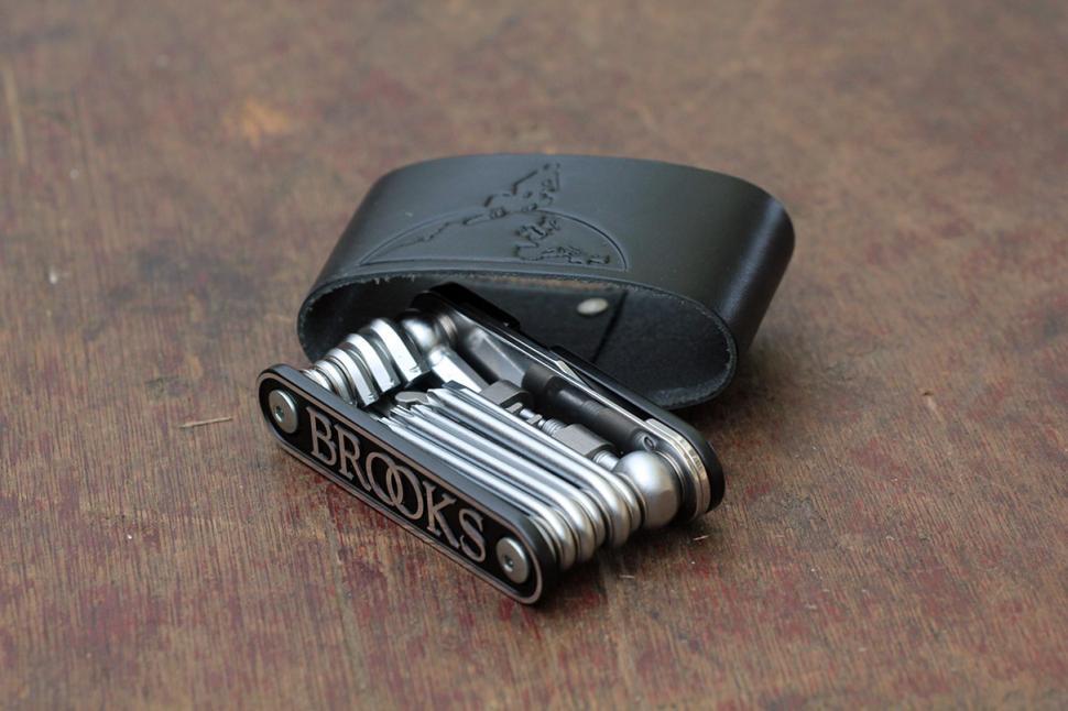 Brooks England MT21 Multitool - tool and case