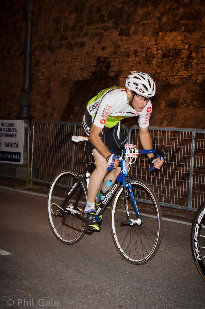 Castelli 24 Racing Through The Night Italian Style Thrill Vanquish Elite 1 21
