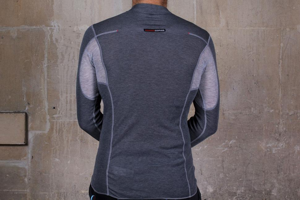 5e580ae01 Review  Castelli Flanders Warm LS Thermal Base Layer