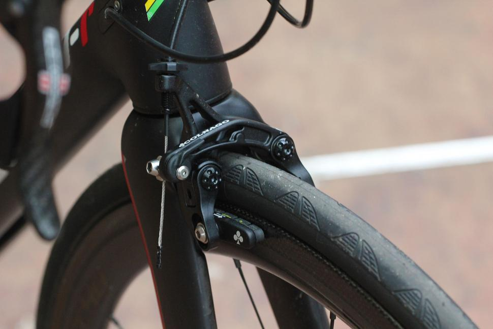 Colnago V1-r brakes - front