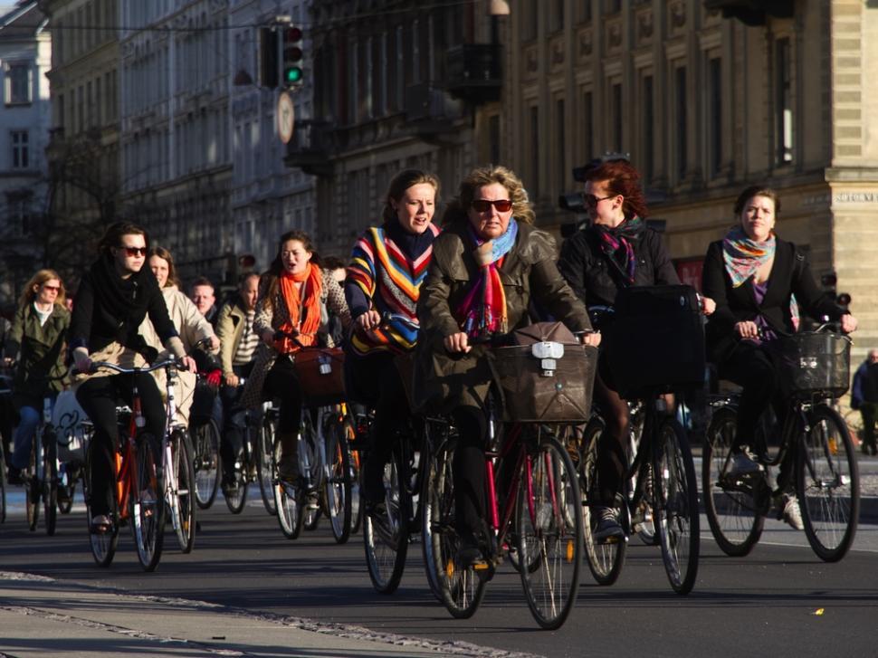 02 World's busiest cycling street - Nørrebrogade in Copenhagen (photo credit Copenhagenize Design Company)