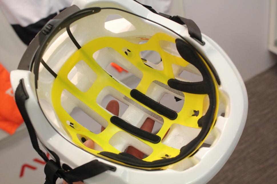 Poc Octal MIPS helmet - inside