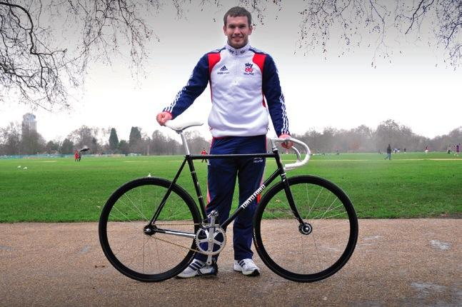 GB rider races Japanese keirin circuit with Tokyo Fixed bikes | road.cc
