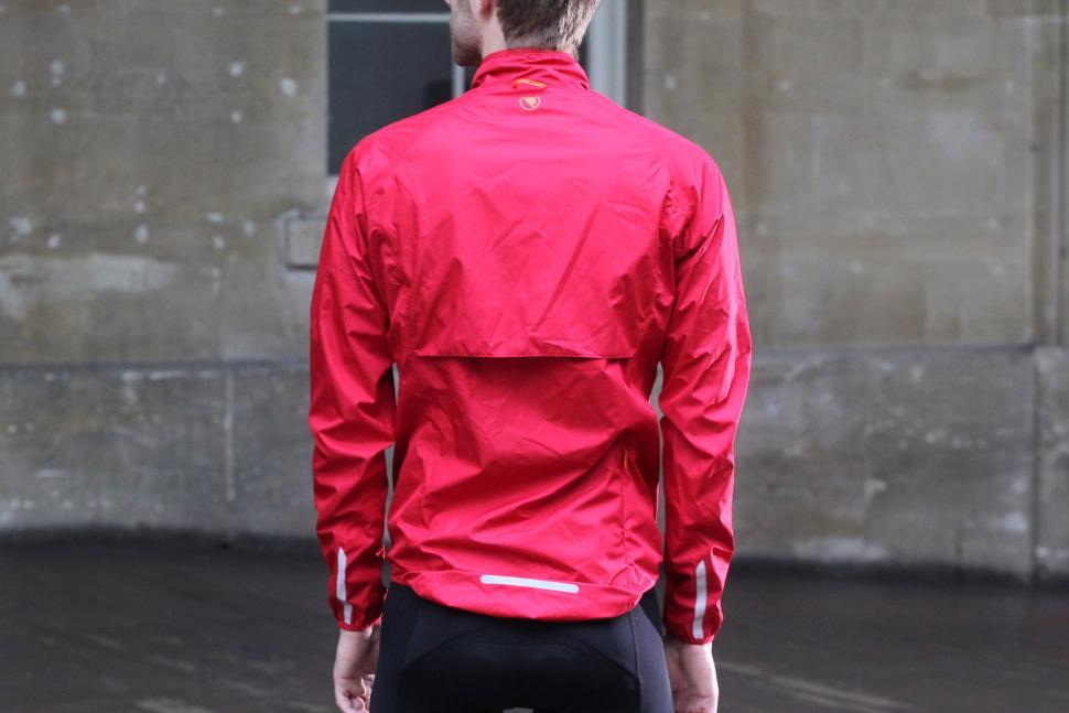 4829cff22 1   6. Endura Xtract Jacket - on bike. As summer becomes ...