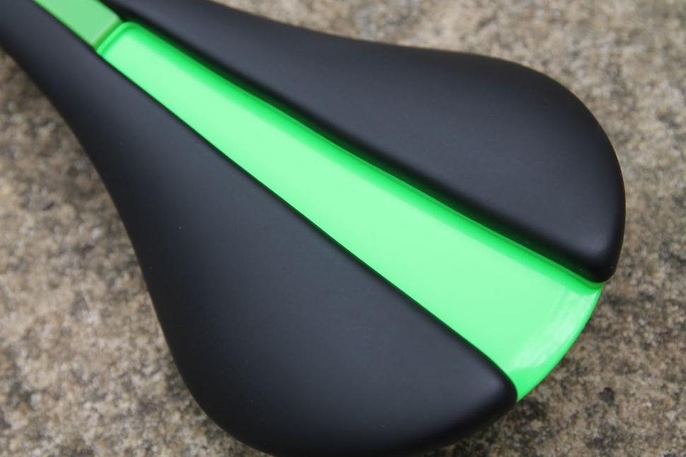 Fabric Line saddle - 1