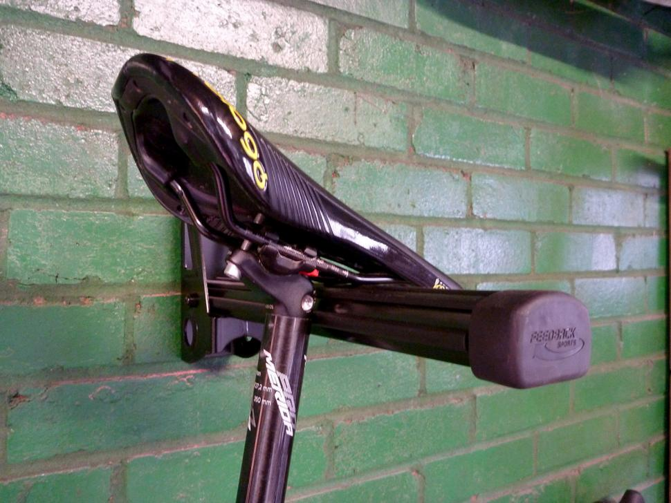 Feedback Sports Velo Wall Post - saddle mount 2