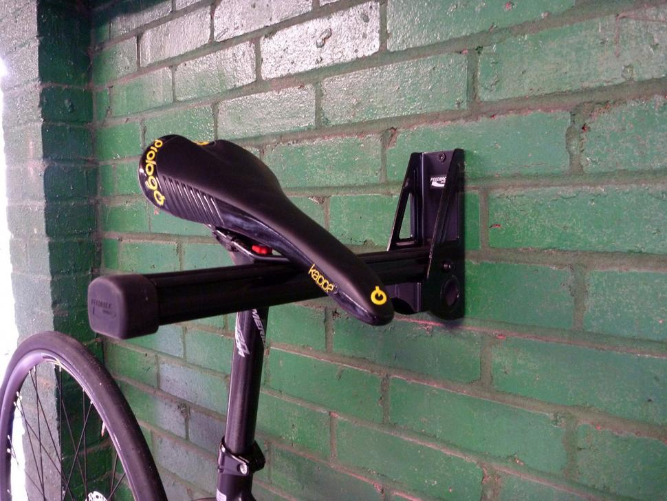 Feedback Sports Velo Wall Post   Saddle Mounted