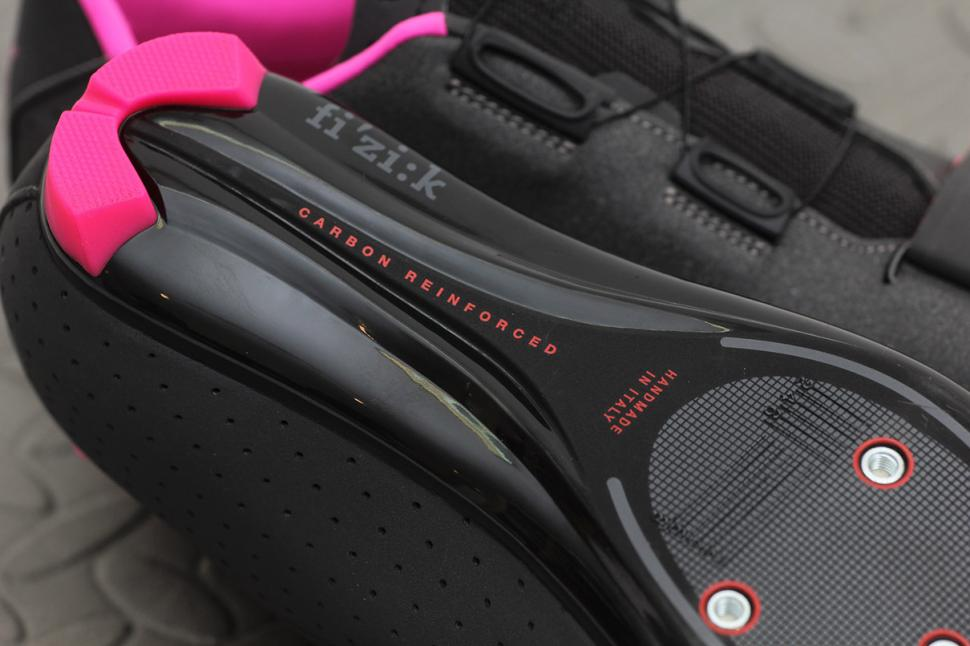newest 97091 a7991 Review: Fizik R5B Donna Women's shoes | road.cc