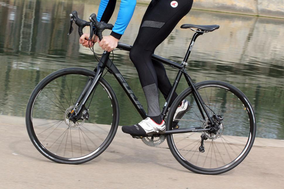 Review: Fuji Sportif 1 1 Ltd road bike   road cc