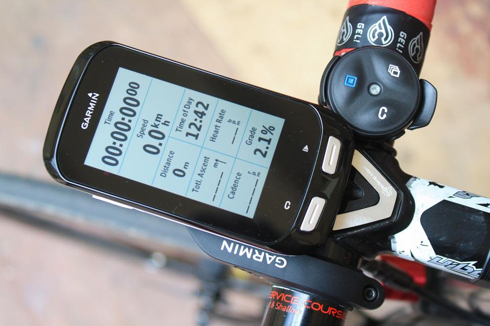 Garmin Edge 1000 unboxing - mounted on data screen