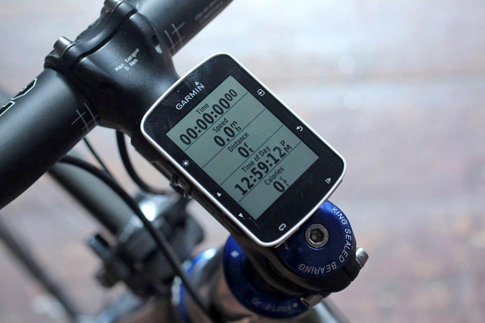 Garmin Cycle Computer >> Review Garmin Edge 520 Heart Rate And Cadence Bundle Road Cc