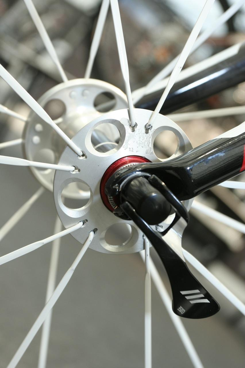 Gary Fisher Cronus Ultimate 2010 - front hub flange