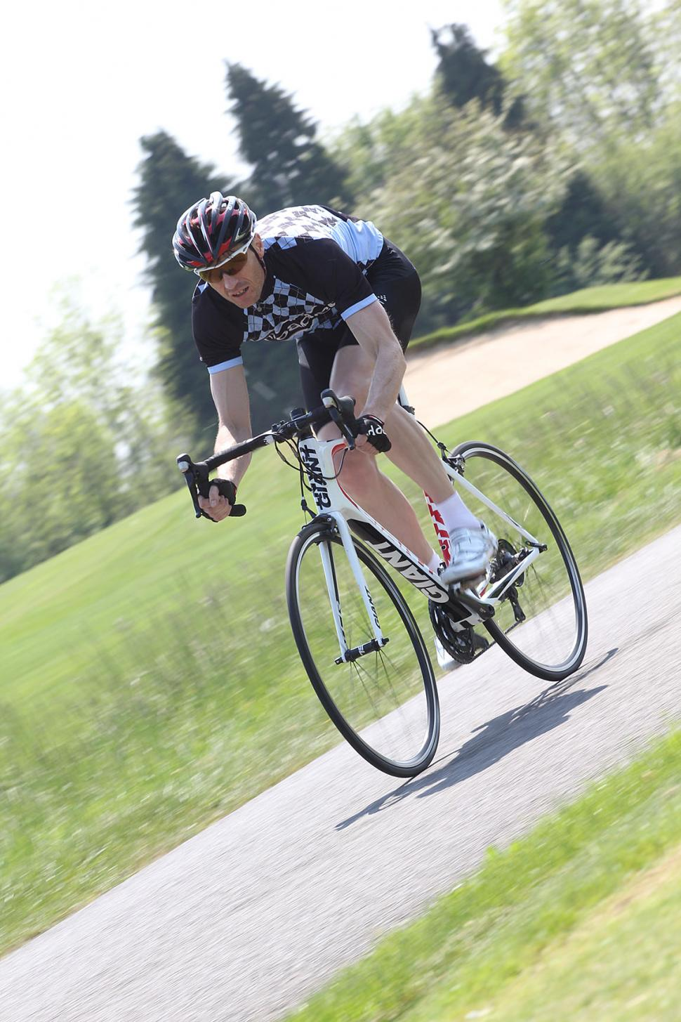 Review Giant Tcr Advanced 3 2012 Bicycle Lightings The Is A Fast Precise Road Bike That Offers Smooth Ride We Like It Lot