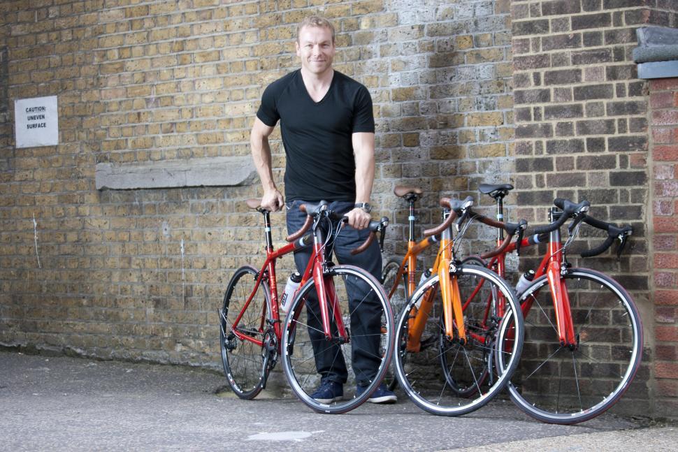 HOY Autumn comp: Sir Chris with the 3 bikes