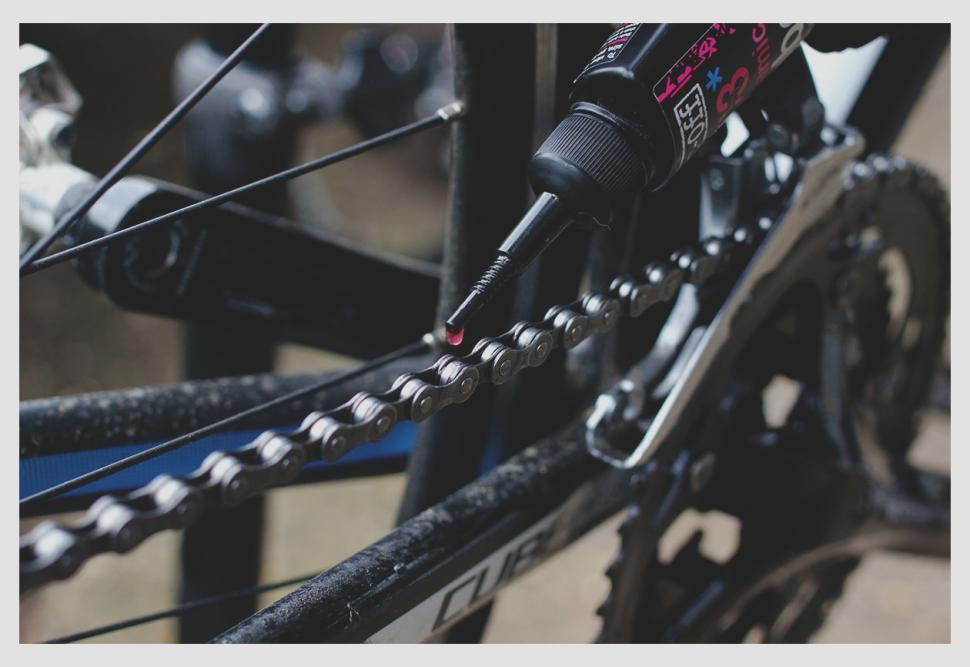 How to clean and lube your chain — Apply Lube