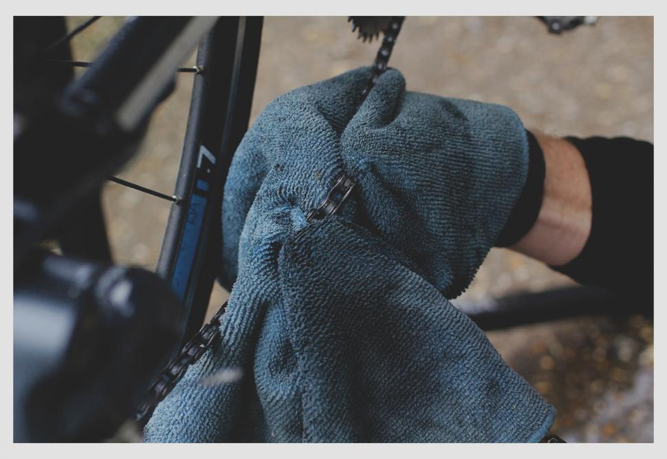 How to clean and lube your chain — Cloth Cleaning