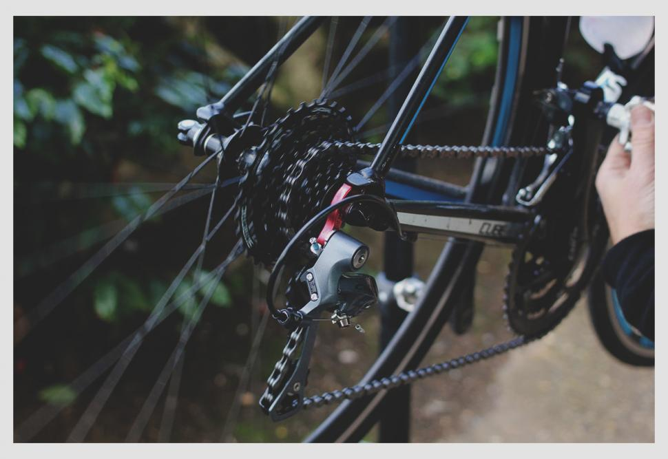55e3fe6ba68 How to adjust and tune indexed rear derailleurs | road.cc