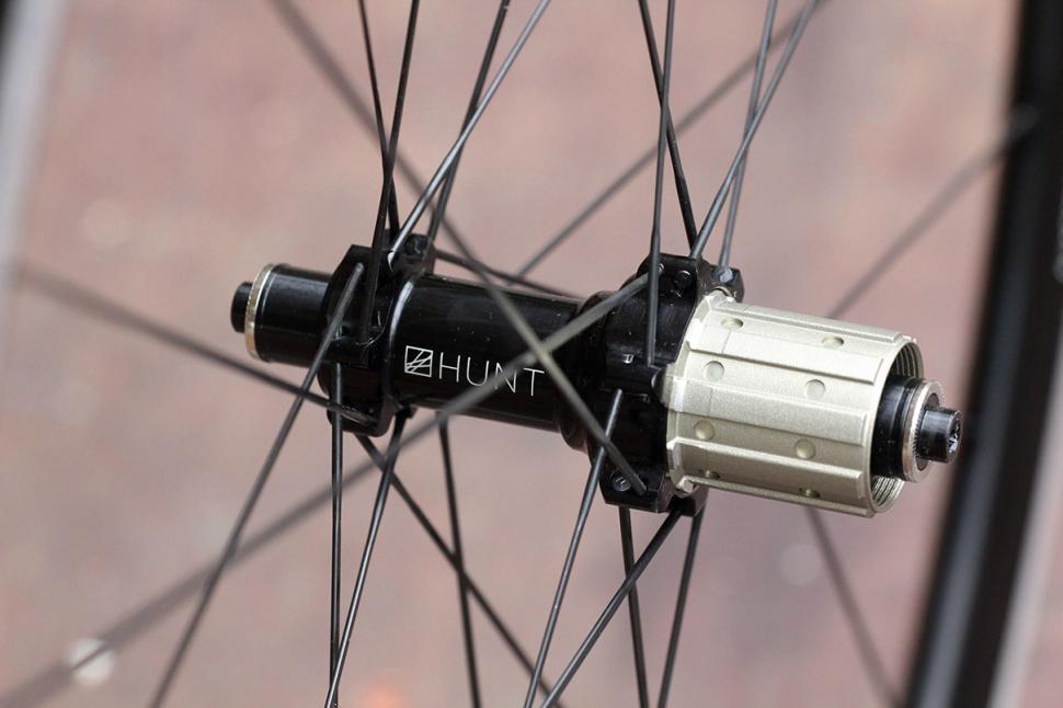 Hunt Race Season Aero Wide wheelset - rear hub 2