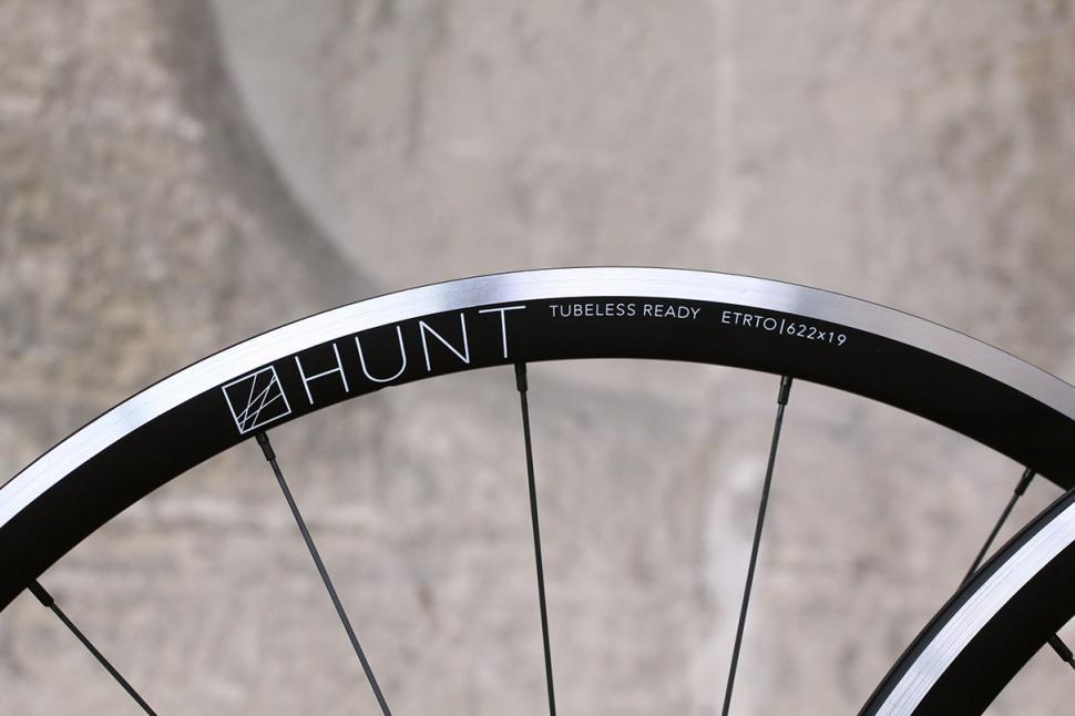 Hunt Race Season Aero Wide wheelset - rim