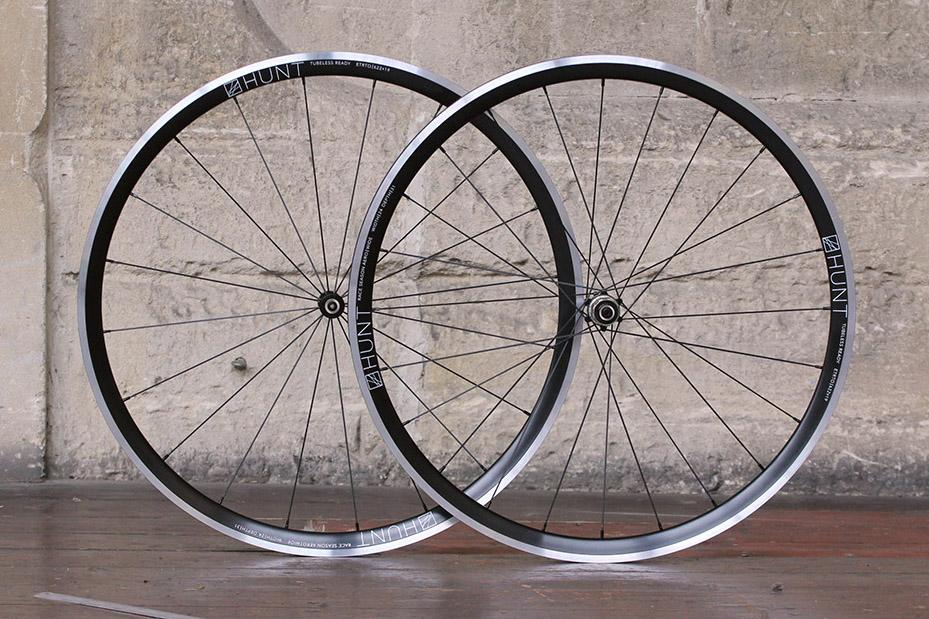 Hunt Race Season Aero Wide wheelset