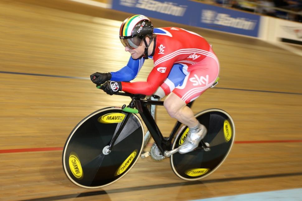 Jody Cundy on the track (© Kelkel)