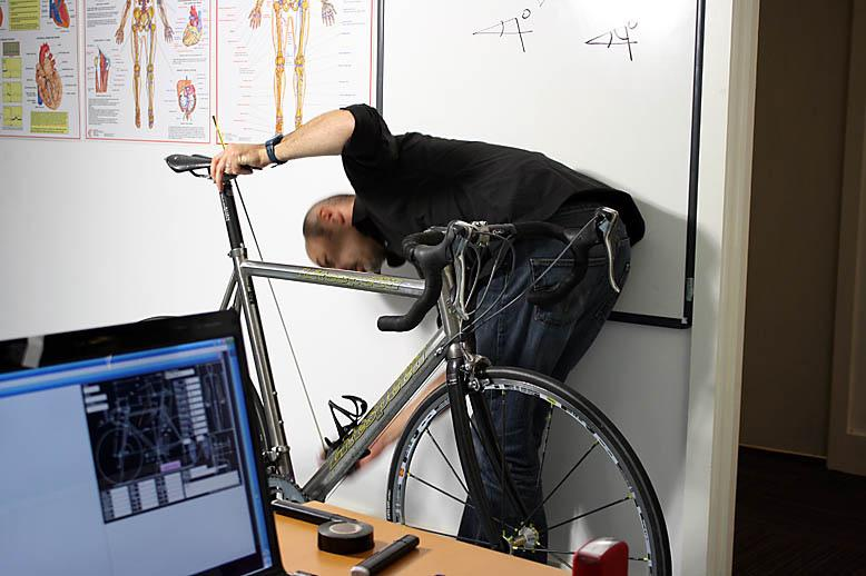 Guiseppe measures saddle height