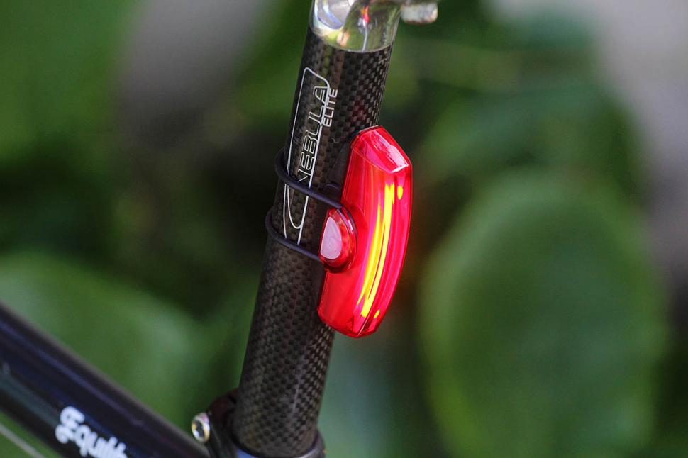 Best Rear Bike Light >> Review Cateye Rapid X Rear Light Road Cc
