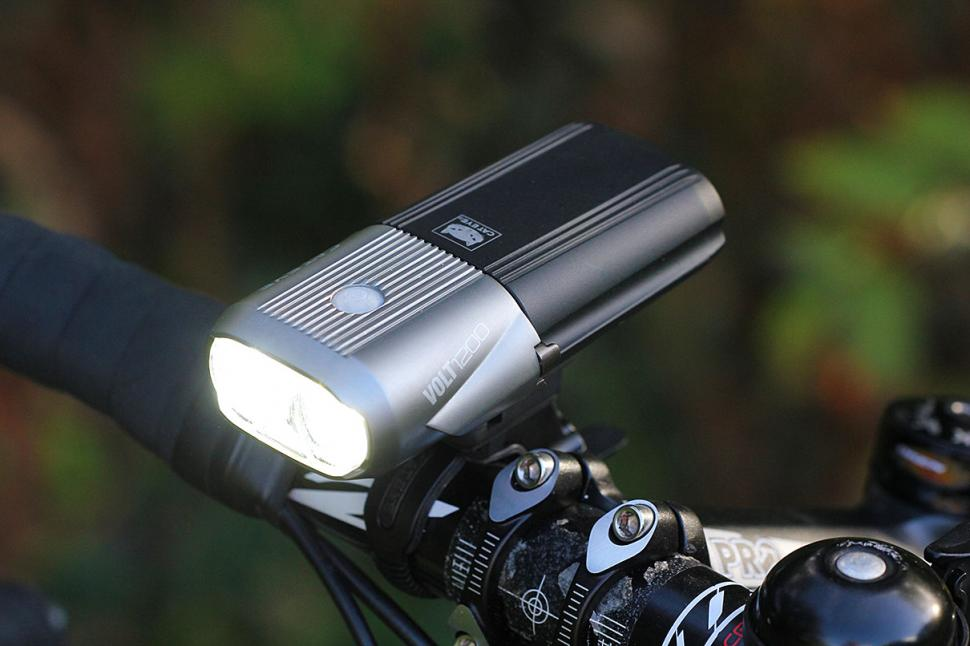 USB Rechargeable Lithium-ion Battery Cat Eye Volt 1200 Lumen Bike HeadLight