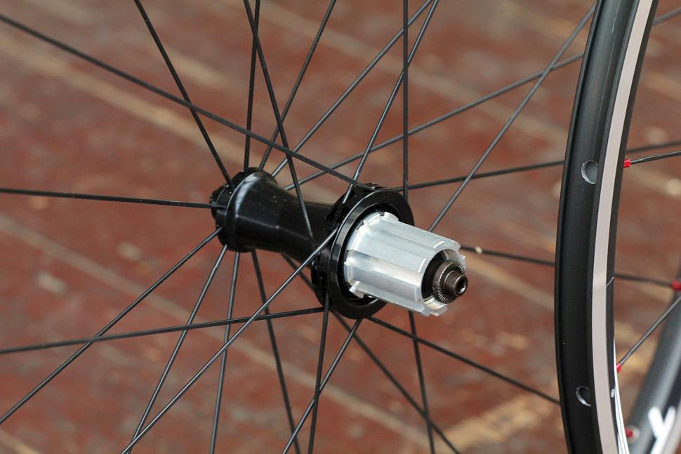 Miche Syntium wheelset - rear hub