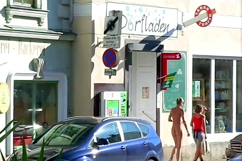 Austria naked cyclist YouTube clip
