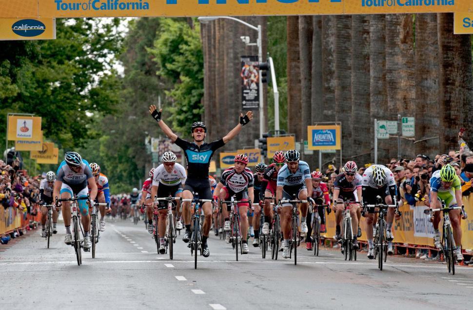 Ben Swift wins stage 2 of the Amgen Tour of California 2011 (© Photosport International)