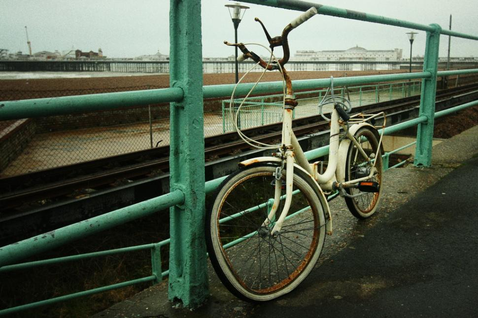 Abandoned old bike (CC licensed image by Petras Gagilas:Flickr)