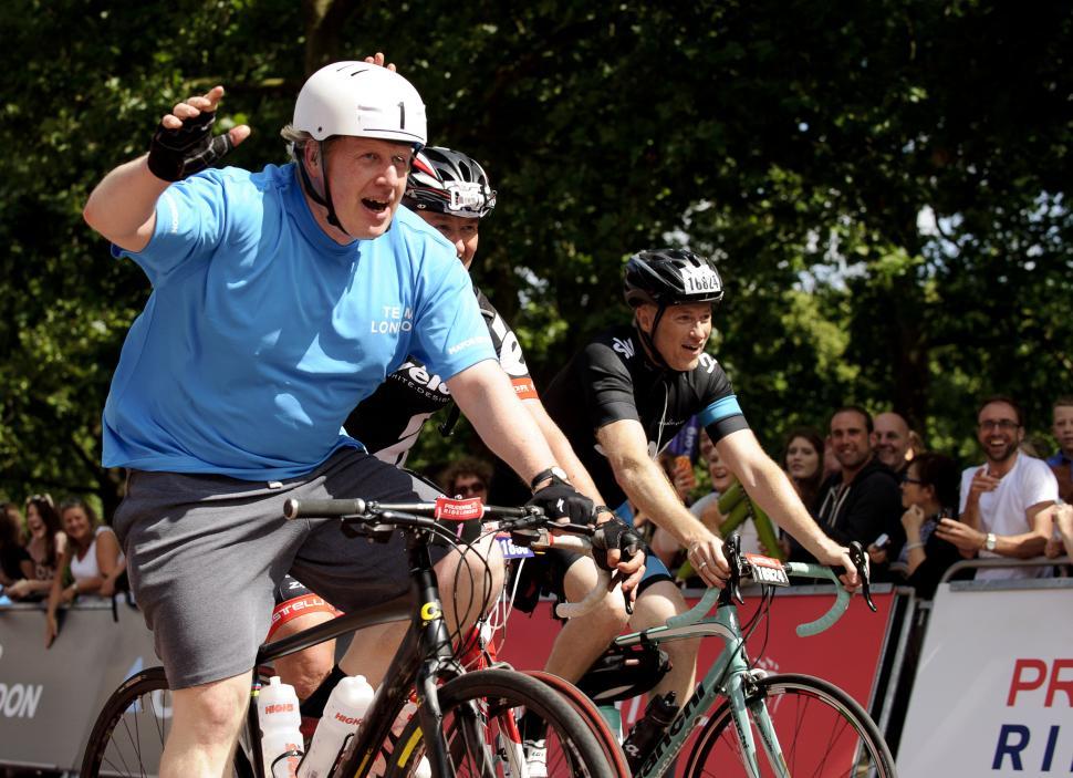 Boris Johnson admits riding bike without rear light | road.cc