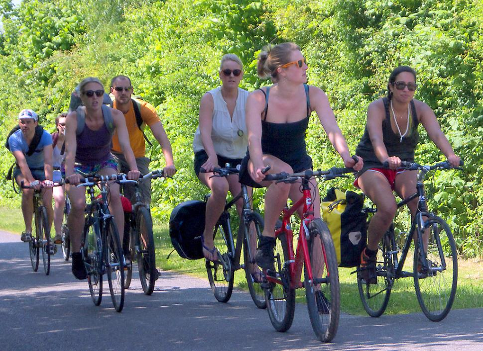 Bristol Bath Railway Path riders (copyrght samsaundersleeds:Flickr)
