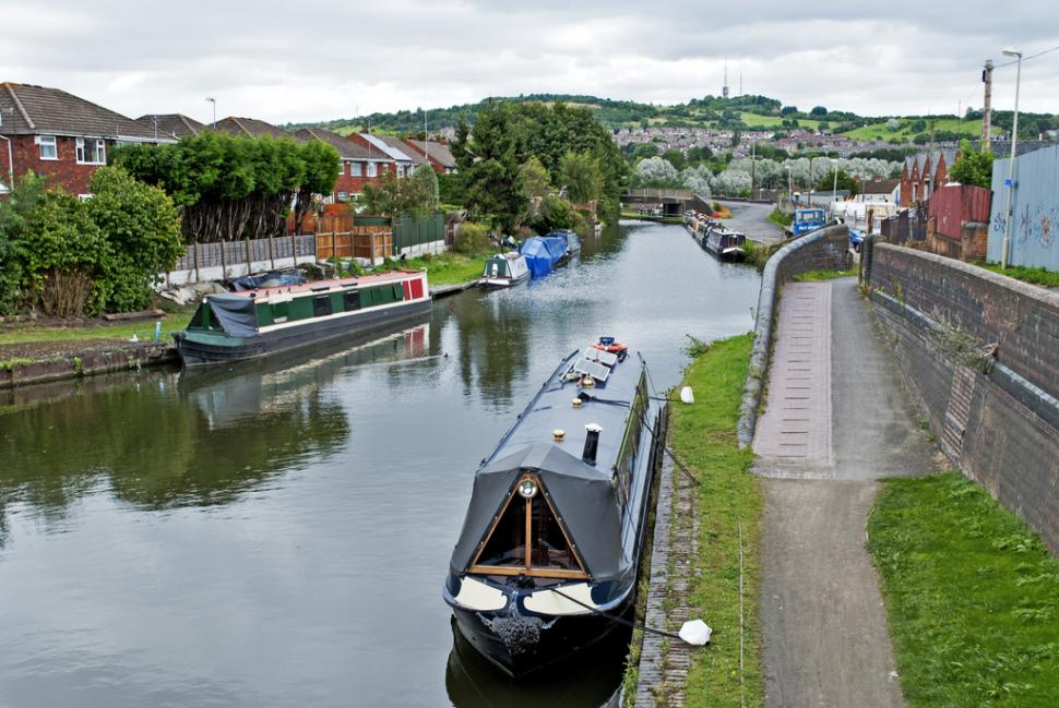 Canal in Dudley (CC licensed on Flickr by Brianac37)