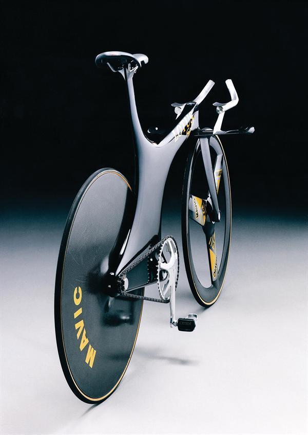 Bike at bedtime: take a look at Boardman's Olympic-winning Lotus Type 108 track bike