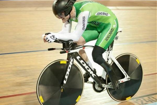 Colin Lynch in individual pursuit, 2012 Para-cycling Worlds