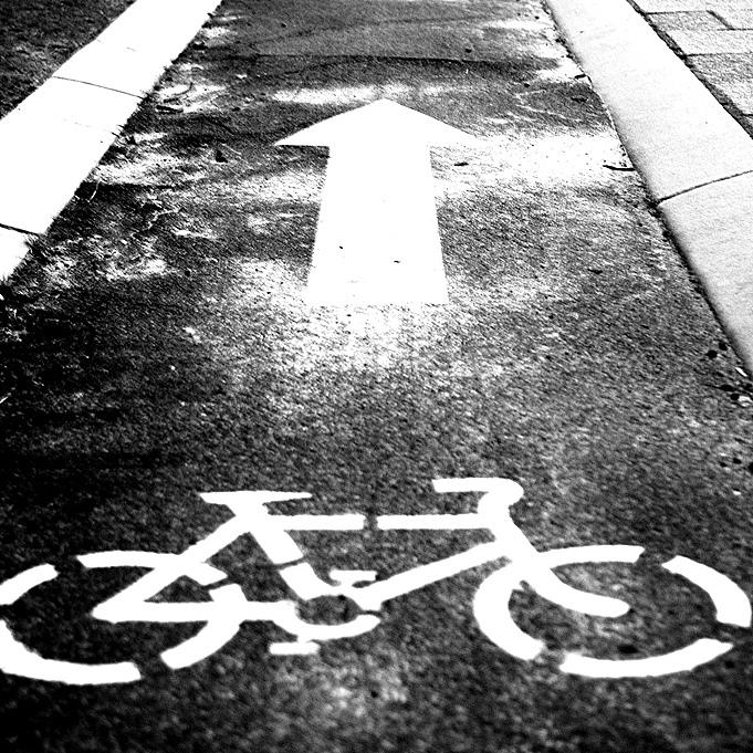 Cycle path (CC licensed by C:Flickr)