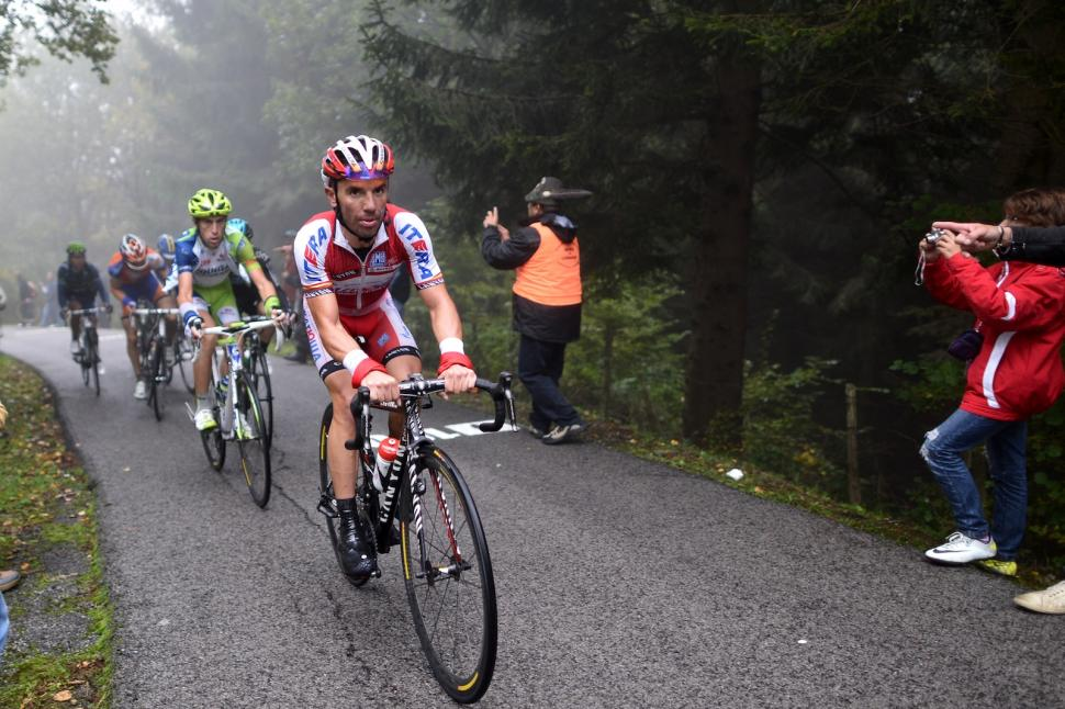 Il Lombardia - Rodriguez leads on the Muro di Sormano (©Angelo Giangregorio)
