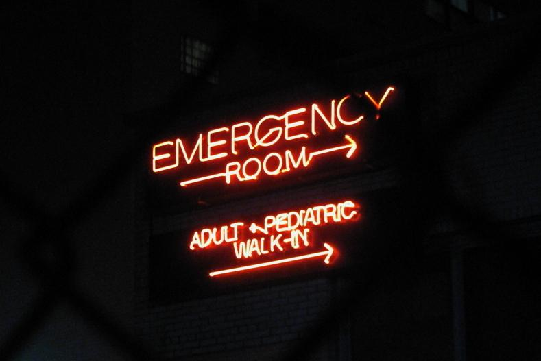 Emergency room sign (CC licensed image by Rob Nguyen:Flickr)
