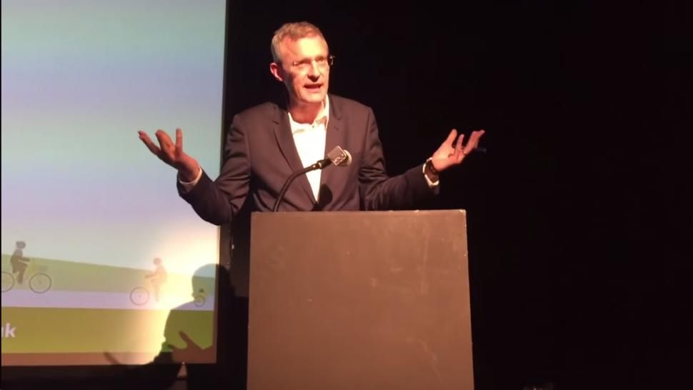 Jeremy Vine at London Cycling Campaign awards screenshot from Ross Lydall video.png