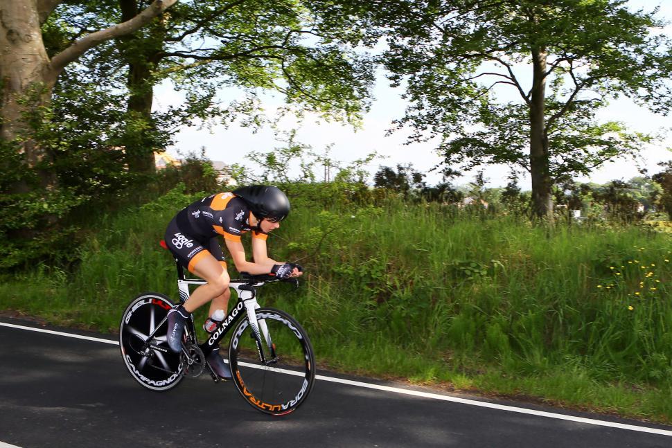 Joanna Rowsell on her way to winning 2013 nats TT (pic Alex Whitehead:SWPIX.COM)